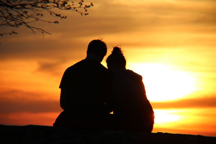 Sunset Two People Togetherness Love Silhouette Orange Color Real People Bonding Romance Sky Men Leisure Activity Couple - Relationship Beauty In Nature Nature Cloud - Sky Lifestyles Women Outdoors Sitting EyeEm Nature Lover EyeEm Best Shots First Eyeem Photo Hello World EyeEmNewHere
