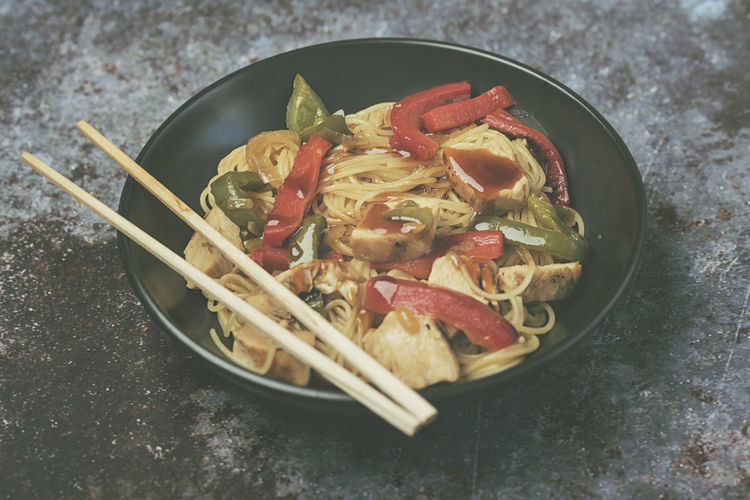 Food Food And Drink Freshness Healthy Eating Vegetable Asian Food Pasta Close-up Chopsticks Japanese Food Kitchen Utensil Spaghetti Noodles Meat Chicken Sauce Teriyaki Teriyaki Chicken Teriyaki Sauce Oriental Oriental Food  Chinese Chinese Food Noodle Pepper Ingredients Japanese Food Culinary Menu Restaurant Cooking Spices Bowl Onion Meal Dinner Dinner Time Thai Thai Food Gourmet Gourmet Food Lunch
