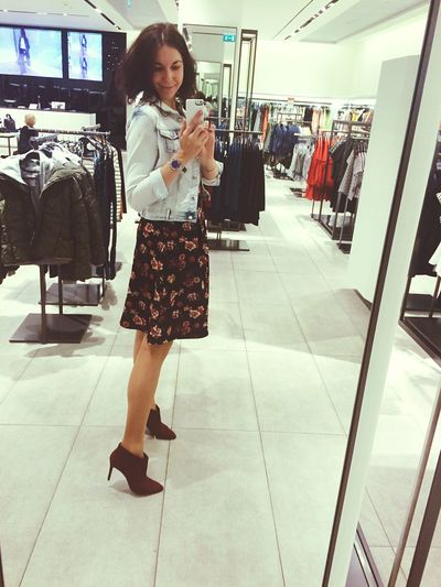 Hello World Shopping ♡ Shoppingday Enjoying Life Meeting Friends Quality Time Selfportrait Selfie ✌
