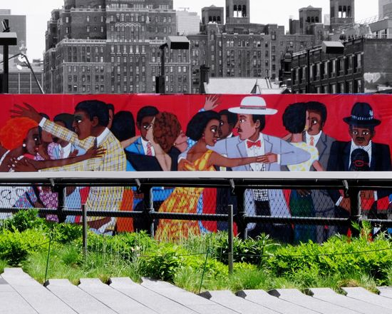 The High Line New York City Red Grass Painting Art Street Photography High Line Park Manhattan From My Point Of View EyeEm Colors Wall Art Wall Painting Art Paintings Leading Lines Streetart Streetart/graffiti Graffiti Travel Photography Tourist Attraction  Downtown NYC USA TakeoverContrast
