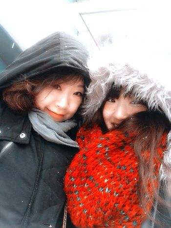 snowing on 1st day of new year!!!!! with mom!!!!!
