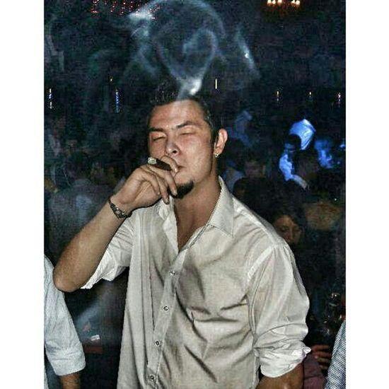 Me Nightlife Thuglife Cigar Relaxing People Havana Cigars