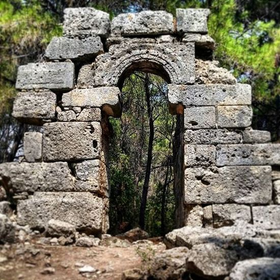 Ancient doorway at Phaselis Ancient History Phaselis Yesiamanerd