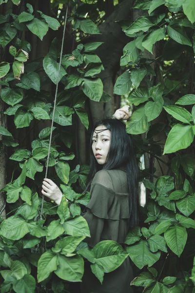 Leaf Green Color Beauty Tree One Person Outdoors One Woman Only Theatrical Performance Portrait Only Women People Day The Portraitist - 2017 EyeEm Awards