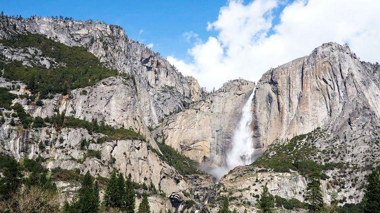 Waterfall Cliffs Yosemite National Park Yosemite Valley Phenomenal Landscape_Collection Landscape_photography Majestic Nature Idyllic Scenery Enjoying The View Vacation Enjoying Nature Stream
