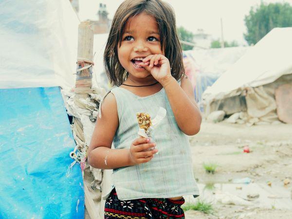 Nepalipeople😊 Nepal #travel Nepal Photography Kathmandu Traveling Travel Thinking About Life Zeltstadt Asien Sweetgirl Farbenfroh