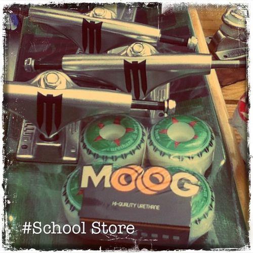 Metallum e Moog Truck Metallum Roda Moog variedade skate skateboard love instagram schoolstore school store skateshop boardshop siga skateallday followme follow me