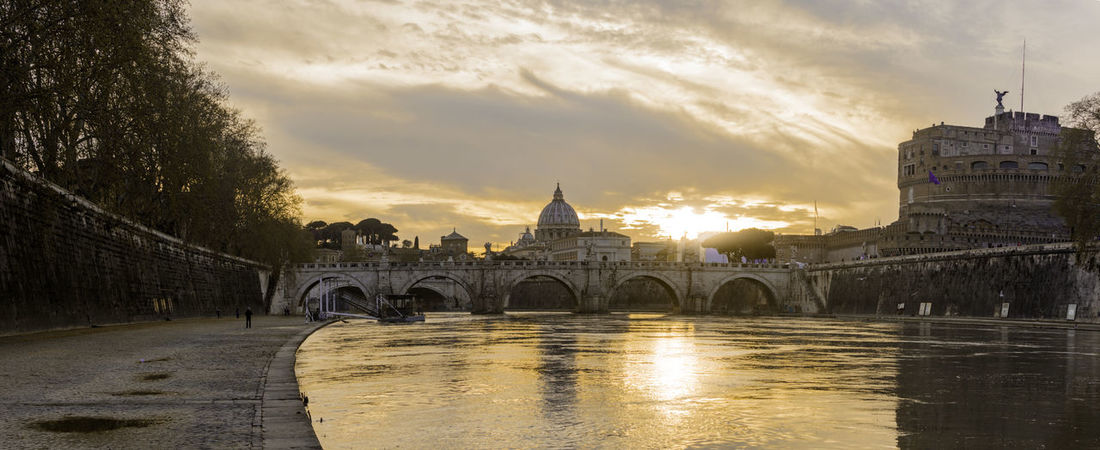 Castel Sant'Angelo Cityscape Italia Panorama River View Roma Rome Saint Peter's Basilica Travel Travel Photography Traveling Architecture Bridge Bridge Sant'angelo City City View  Dome Italy River Sant Angelo Sant'angelo Sunset Tiber Tourism Travel Destinations