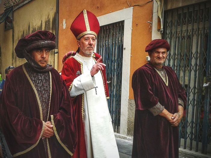 Medieval Festival Costumes Figuranti Bishop Genova-Pra' Smartphone Photography S3 Mini Mobilephotography Cropped King - Royal Person Stage Costume Men Red Portrait Medieval
