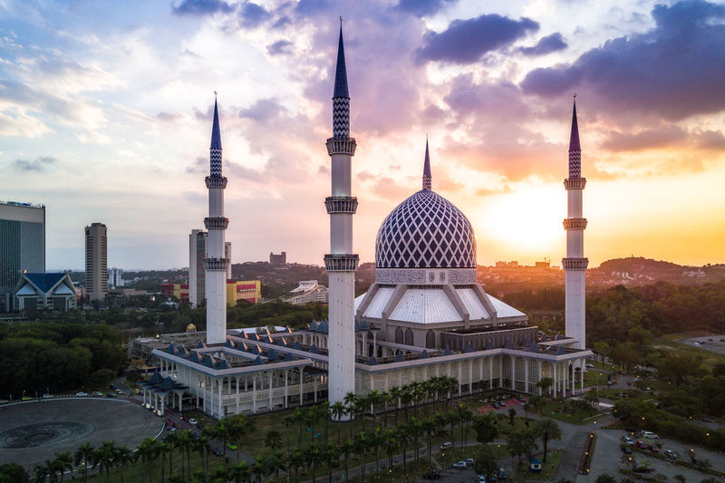 Sunset at Sultan Salahuddin Abdul Aziz Shah Mosque. Aerial Architecture Architecture City Day Dome Drone  Dronephotography High Angle View House Of Worship Islamic Islamic Architecture Malaysia Modern No People Outdoors Place Of Worship Sky Skyscraper Sunset Tower