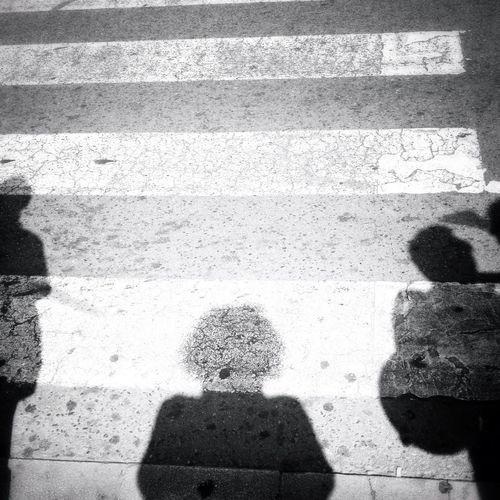 Espectros, la sombra de lo que una vez fuimos // Ghosts, the shadow of what once we were