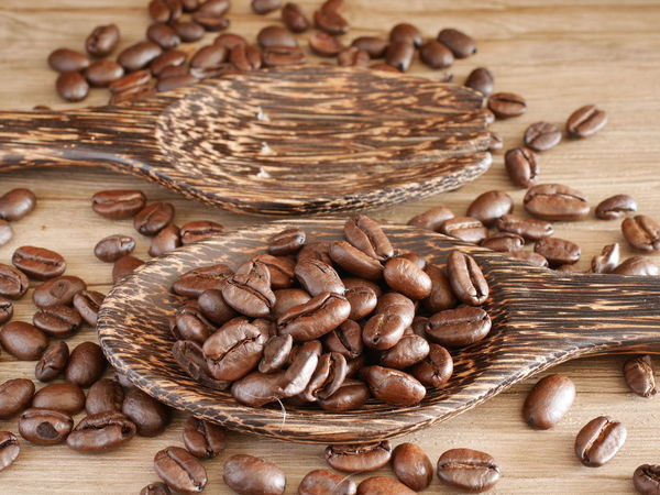 coffee seed Espresso Wood Spoon Blur Close-up Coffee Seeds Food And Drink Healthy Eating Table