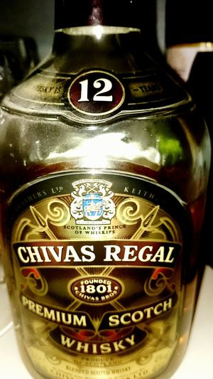 Prost! mit Chivas Regal 12 Years (but since 15 years in our closet ...) = 27 years old Whisky Happy New Year