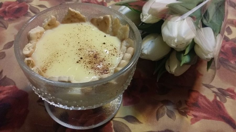 Vanilla puding and white tulips. Bad, bad combination. Boring Picture Food And Drink Drink Freshness Indoors  Food Close-up Table Ugly Table Cover No People Ready-to-eat Day Bad Combination Please No First Eyeem Photo