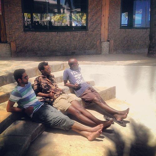 Theactofchilling Anindian Displacedharryporter Theptheronehajijui abujafet Kenya tanning mombasa