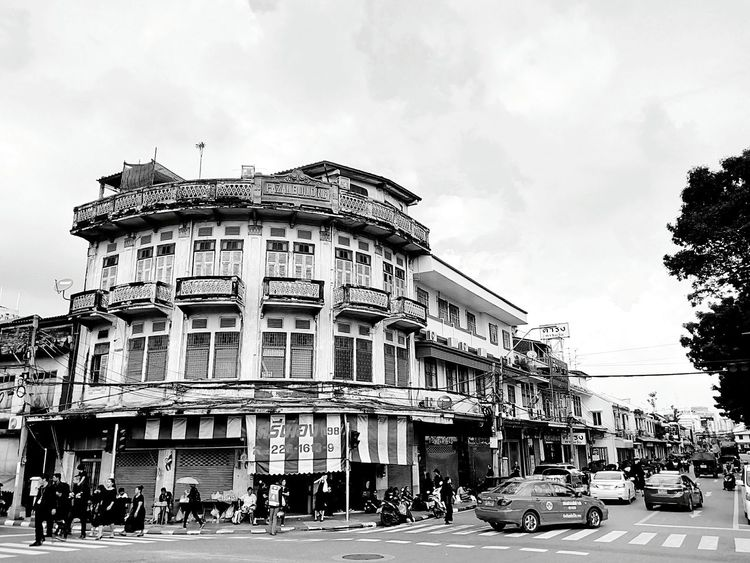 Building Commercial Building Old Building  Built Structure Architecture Building Exterior Building Collection Building Photography View Landscape Building View Building Landscape Perspective Perspective View In Town People Texi Black And White Black And White Photography Black And White Building Black And White Viewใน Bangkok, Thailand