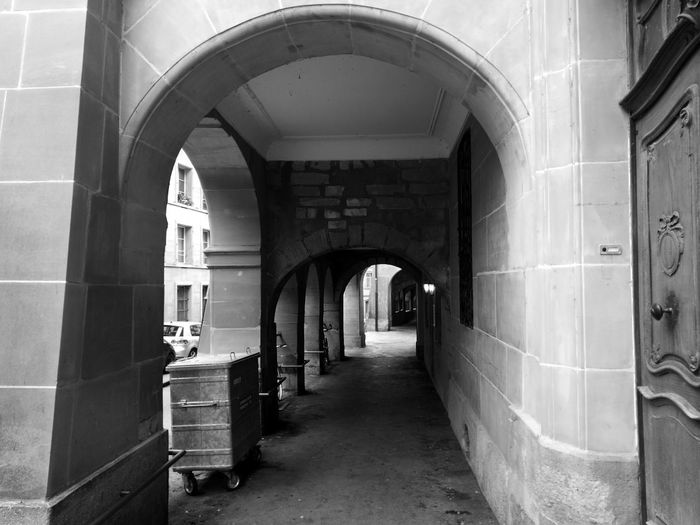 Arch Architecture No People Built Structure Archway Day Streetphotography Urban Geometry Urbanphotography Urban Blackandwhite Shadows Perspective Relaxing Moments Building Exterior