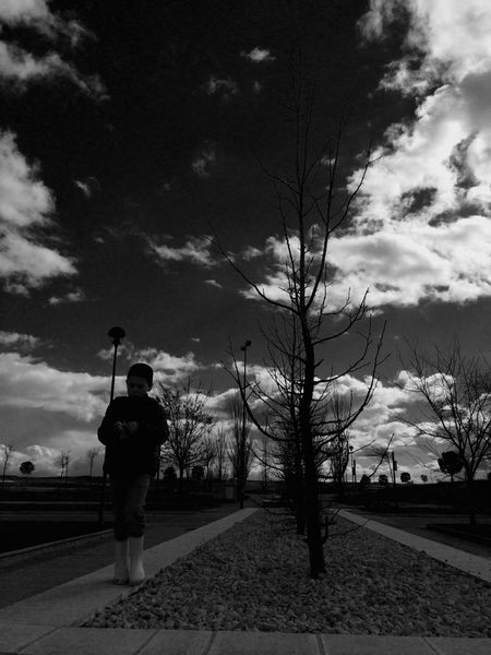 A family walk around. Hanging Out Taking Photos Enjoying Life Streamzoofamily Silhouette Blackandwhite Black And White IPhoneography Light And Shadow Taking Pictures