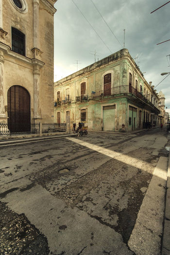 Architecture Building Exterior Built Structure City Cuba Day No People Outdoors Place Of Worship Ray Religion Sky Spirituality Sunset Travel Travel Destinations Urban Urban Geometry Urbanphotography Streetphotography Sunset_collection Crossing Adapted To The City The City Light