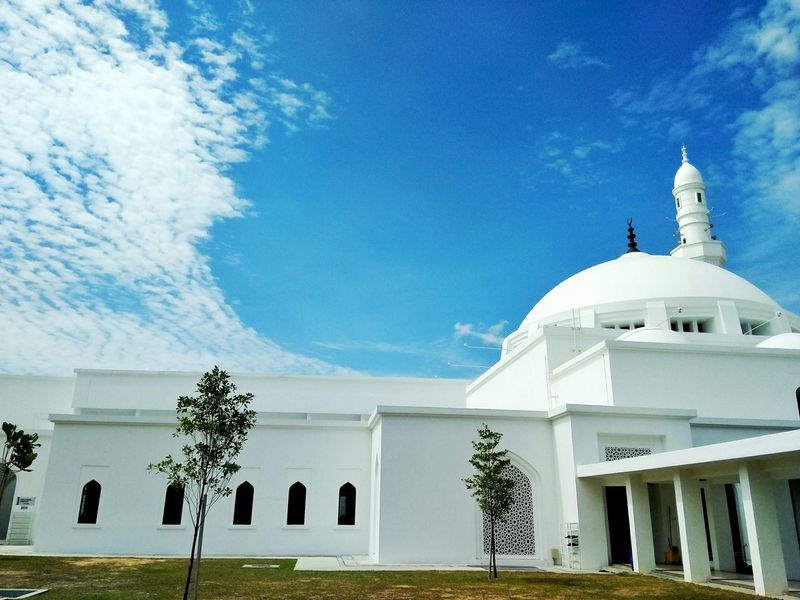 Showcase: November Mosque Masjidhussainseremban2 Clouds And Sky Beautiful Nature EyeEm Best Shots EyeEm Nature Lover Cloudscape Cloud_collection  Mycapture Of The Day EyeEm Gallery Hello World