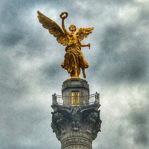 Angel de la Independencia Statue Sculpture Cloud - Sky Female Likeness Human Representation Low Angle View Sky No People Outdoors Gold Colored Day Architecture Gold Mexico Mexico City Cdmx AngelDeLaIndependencia