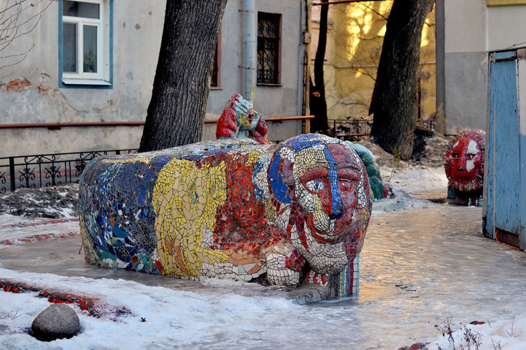 The Mosaic Courtyard. Small Academy of Arts by Vladimir Lubenko. 2/7 Chaykovskogo str., Saint Petersburg, Russia Architecture Art Building Building Exterior Built Structure City Colour Of Life Colourful Day Mosaic Art Mosaic Courtyard Mosaic Tiles Multi Colored No People Outdoors Russia Saint Petersburg Sculpture Small Academy Of Arts уличное искусство х