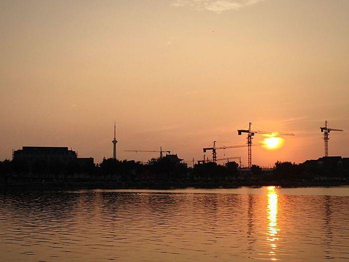发展中的古都...傍晚.龙亭湖畔