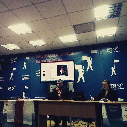 Слушаем лекцию представителей белорусских оппозиционных медиа о том, как изменилась ситуация в Беларуси в связи с военной агрессией России по отношению к Украине. А ещё пьем крамбамбулю и отмечаем Дзень Волі) DocuDaysUA 25sakavika Kyiv