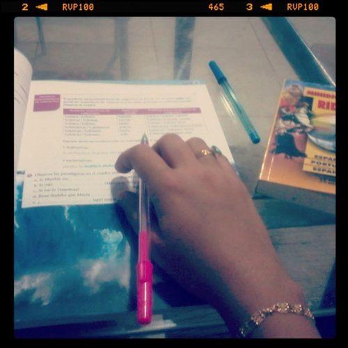 Estudar estudar estudar!!! Férias chegando ao fim e ainda não fiz nada '-' Go Study Help Espanhol trabalho fimdeferias sad killmyteacher viado lazy verylazy goodluckforme
