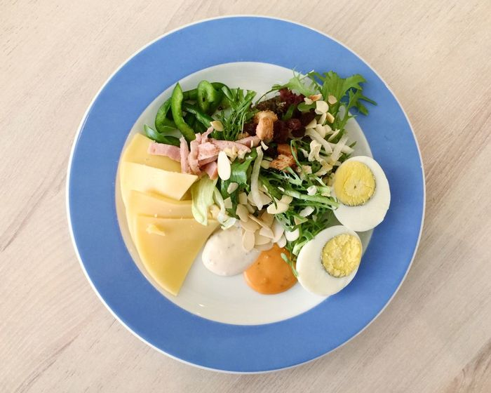 Salad Healthy Eating Healthy Lifestyle Healthy Food Healthy Breakfast Breakfast Diet Calories Looseweight Slim Nutrition Food And Drink Food Freshness Ready-to-eat No People Plate Table Indoors  Close-up Day Vegetable Egg Protein Cheese