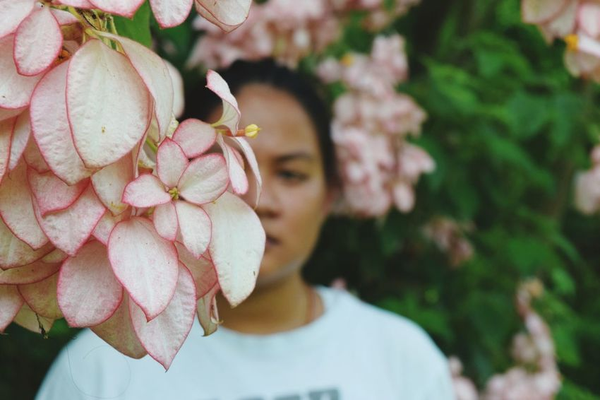 Tree Women Young Women Headshot Flower Mid Adult Fruit Smiling Eating Close-up Blooming Flower Head Growing Pink In Bloom
