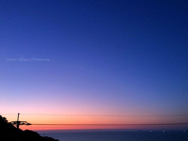 玄界灘の夕焼け✨ Sunset Beauty In Nature Sea Blue Horizon Over Water Sky Lovely Bokeh EyeEm Nature Lover Beautiful Nature Beauty In Nature EyeEm Best Shots Sunset #sun #clouds #skylovers #sky #nature #beautifulinnature #naturalbeauty #photography #landscape Sunset Silhouettes Sunset_collection 玄界灘