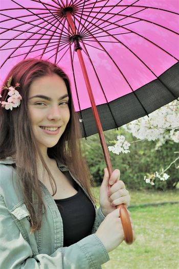 Young Woman With Parasol Park Parasol Protection Holding Smiling Looking At Camera Casual Clothing Young Adult Young Women Beautiful Beautiful Woman Cherry Blossom Cherry Blossoms Spring Springtime Spring Flowers Teenager Teenage Girls Pink Color Flowers Flowers In Hair Brown Hair Brunette Beautiful Nature My Best Photo