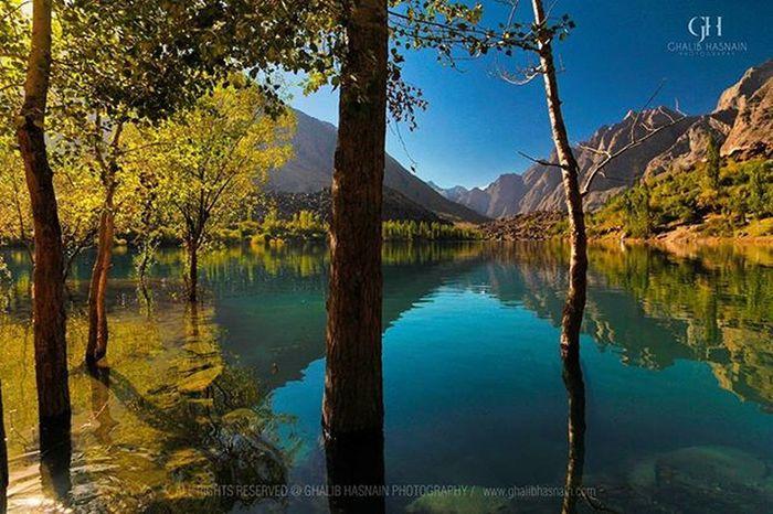 From the Archive of 2013 KACHURA LAKE Kachura Pakistan Skardu Gilgitbiltistan Autumn KACHURALAKE Ghalibhasnainphotography Ghalibhasnain Plains VSCO Nature Beautifulpakistan @Pakistan