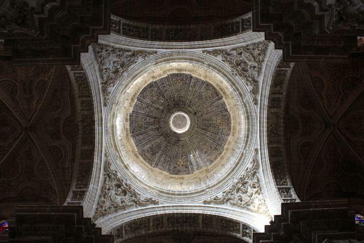 Cupula catedral de Jerez de la Frontera. Cathedral Church Architecture Old Architecture EyeEmNewHere Ghotic Architecture Escultura Concentric Architecture
