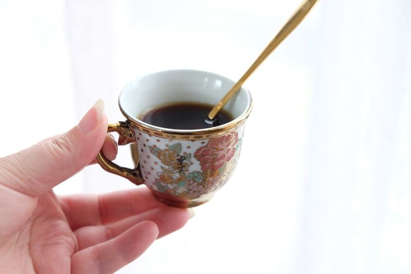 Cup Human Hand Mug Human Body Part Hand Holding Tea Cup Food And Drink Unrecognizable Person Tea One Person Refreshment Personal Perspective Close-up Tea - Hot Drink Finger Human Finger Drink Hot Drink Lifestyles