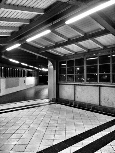 Black&white Lines And Angles Sbahn station Ceiling Lights Diagon Alley Diagonal Squares