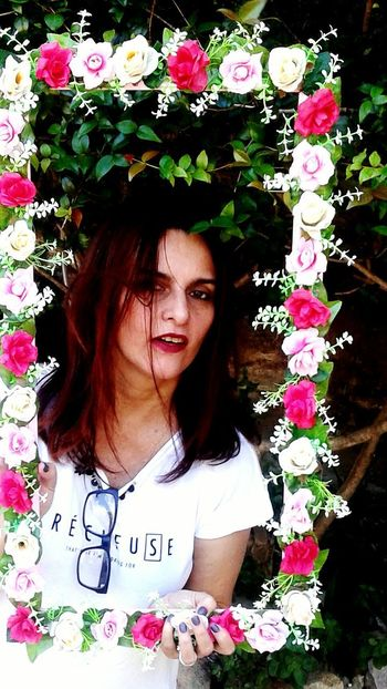 Churrasco. @eveltanafreitas Flower One Person Front View Three Quarter Length Young Adult Standing Plant Only Women Day Long Hair Outdoors Young Women One Woman Only Nature Adult One Young Woman Only People Adults Only Portrait Beautiful Woman