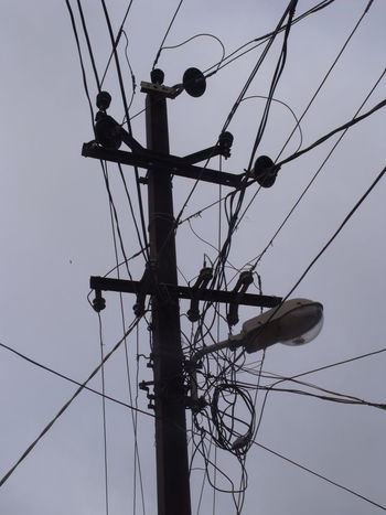 Cab Chaos Day Grau Indien Kabel Lamp Lampe No People Outdoors Power Power Cable Safety Strom Technology Wire