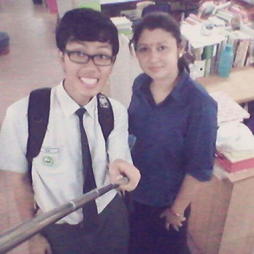Selfie Teacher B .I Smkbts HariGuru