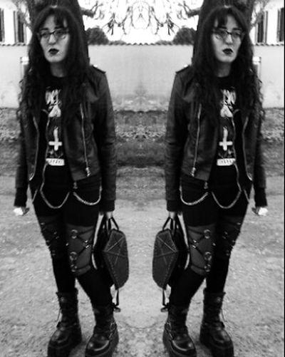 😌 #alternative #alternativstyle #alternativegirl #allblackeverything #JustMe #outfit #OOTD #ootd ✌ #imBack Portrait
