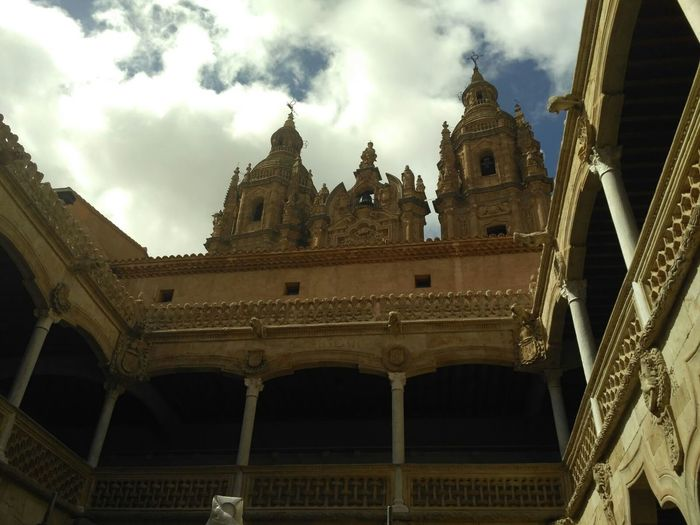 Catedral de Salamanca Architecture Travel Destinations Built Structure History Building Exterior Low Angle View Travel Outdoors Sky No People Day Politics And Government City