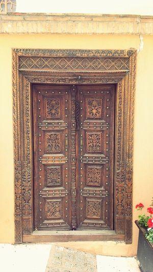 Puerta Door Building