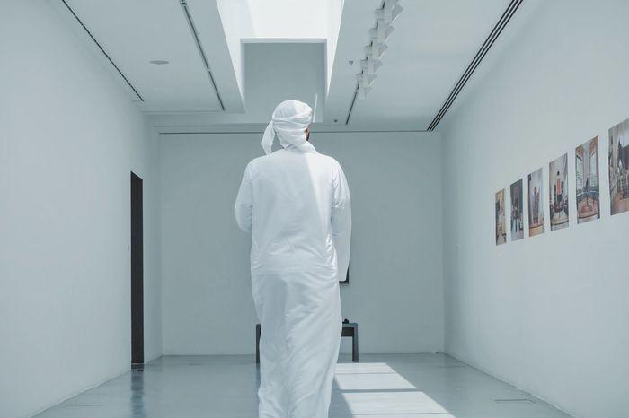 Sharjahart Sharjah Photowalk #spacewalkSHJ #discoverUAE #SharjahArtFoundation #safphotowalk #sharjahart #discoversharjah #FujifilmME #fujifilm_Xseries #UAE #walk Men One Person Standing Walking Kandura
