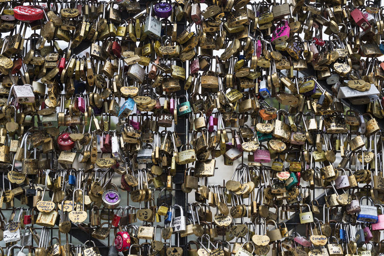 Bond Grid Love Padlocks Promise Bonding Bridge Color Feelings Humans Trace Lock Metal Padlock Padlock's Bridge Padlocks, Lovers Locks, Promises, True Love, Romance Pattern Promises  Shackles Trace