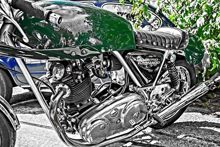 Norton Close-up Commando Day Land Vehicle Mode Of Transport Motorbike Motorcycle No People Old-fashioned Outdoors Retro Styled Stationary Transportation