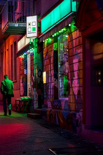neonlights Germany Deutschland Berlin Friedrichshain Moody City Illuminated Walking Architecture Building Exterior Built Structure Neon Neon Colored Fluorescent Pedestrian City Street Capture Tomorrow 2018 In One Photograph