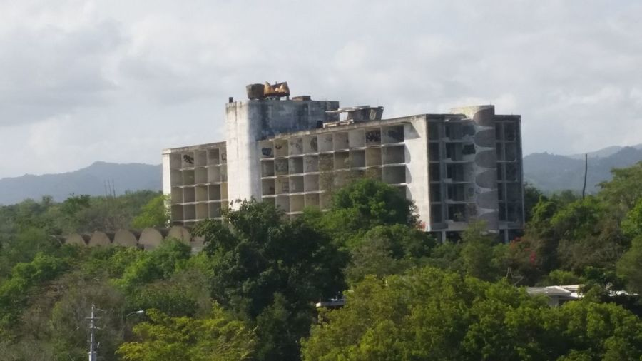 Intercontinentalhotelruins