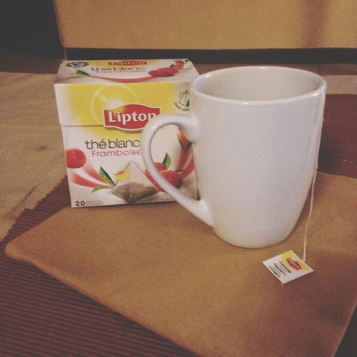 Petit thé blanc ce soir Teatime Rasperry Nice Atmosphere Enjoying Life