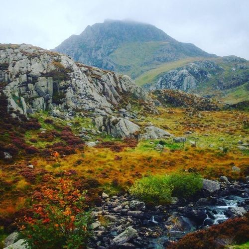 Geocaching Earth Earthcache Holiday Mountain Snowdonia Walking River Clouds And Sky